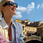 Chiara Ferragni con Fedez alla Spa, le foto sollevano critiche: «Ma puoi farlo?»