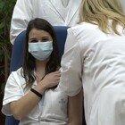 Vax Day, allo Spallanzani vaccinate le prime tre persone. Conte: «Oggi l'Italia si risveglia».