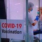 Vaccino, Francia al palo: 332 dosi in 5 giorni. Pelloux: «Stiamo facendo la figura dei fessi»