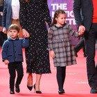 Kate Middleton, la nuova foto del principe Louis. I fan notano un dettaglio: «È incredibile»