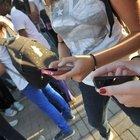 Modena, foto porno delle fidanzate nude in chat: indagati sei giovanissimi, due sono minorenni