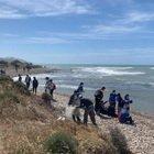 Spiaggia ricoperta da 1 tonnellata di spazzatura: ecco come è ora