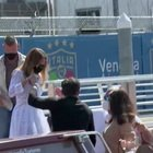 Jennifer Lopez e Ben Affleck a Venezia: paparazzi scatenati