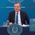"""Draghi: """"Prenotare vacanze estive? Io lo farei, andrei volentieri"""""""