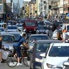 Milano, in strada tornano 6 auto su 10. Il Comune valuta la riaccensione di Area B e C