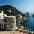 La Campania accelera per le isole Covid free. L'ordinanza di De Luca per i vaccini «a Ischia, Capri e Procida»