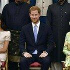 Harry e Meghan privati di titoli e cariche dalla Regina Elisabetta. «Ha inviato una lettera»