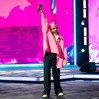 Seat Music Awards, Sangiovanni si commuove sul palco e interviene Carlo Conti: «Questo è amore»