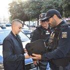 Perde un occhio per il tumore, ma corona il suo sogno a 17 anni: è poliziotto per un giorno