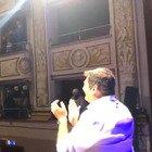 Max Giusti, il video dell'applauso del pubblico a teatro