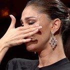 Belen scoppia in lacrime a Canzone Segreta: «Vorrei vedere una persona che non posso vedere...»