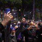 Maradona, l'ultimo saluto dei tifosi al San Paolo