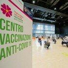 Vaccini Lazio, prenotazione per chi ha 64 e 65 anni: quando aprirà e i dubbi su un possibile stop
