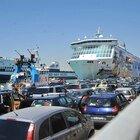 Zona rossa e lockdown, da Roma e Milano fuga sulle isole, ma in Sardegna stretta sugli arrivi e piano profilassi per i turisti
