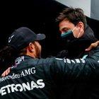 Hamilton e Mercedes, il rinnovo non arriva, ma è una formalità