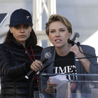 Women's March, Scarlett Johansson e le star di Hollywood marciano contro le molestie sulle donne Foto