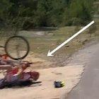 Giro della Turchia, l'incontro dei ciclisti lungo la strada