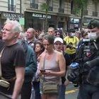 """Francia, la protesta dei """"no vax"""" contro le misure anti-covid"""