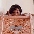 Belen incinta? La foto con Santiago e il nome «Penelope» sul lettino parlano chiaro