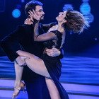 Ballando con le Stelle sempre più hot, spacchi e trasparenze
