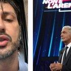 """Fabrizio Corona commosso a """"Non è l'arena"""" con Massimo Giletti: «Ti voglio bene, nessun uomo vicino come te»"""