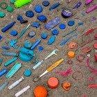 Quattordici milioni di tonnellate, i nostri mari sono invasi dalle microplastiche. La nuova scioccante scoperta degli scienziati