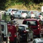 Lazio, tamponi ai drive-in solo su prenotazione online: «Per evitare code troppo lunghe»