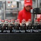 Coca Cola, filamenti di vetro all'interno delle bottigliette
