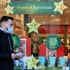 Dpcm Natale e Capodanno, orari più estesi per i negozi e ristoranti aperti ma poi nuovo coprifuoco