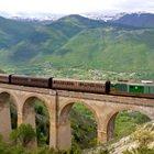 Abruzzo, il treno d'epoca a bassa velocità: riparte la transiberiana d'Italia