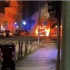 Roma, Autobus in fiamme nella notte