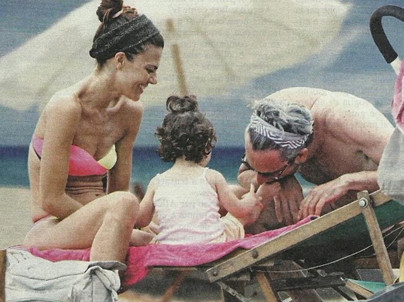 bianca guaccero giornata al mare col marito e la figlia