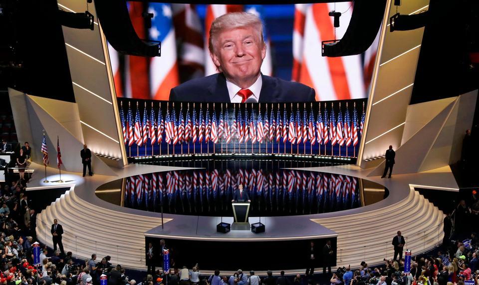 Trump candidato, appello all'unità dei repubblicani (con polemiche)