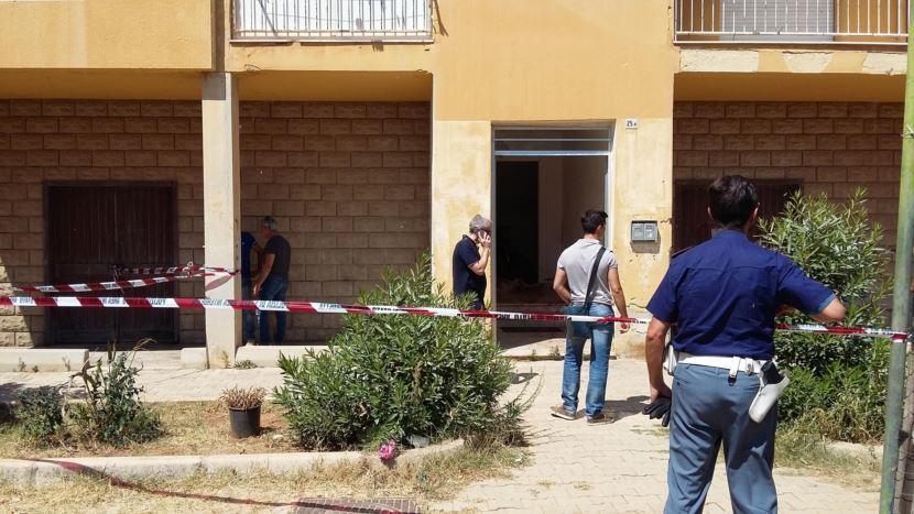 Orrore a Mazara, giovane coppia sgozzata in casa