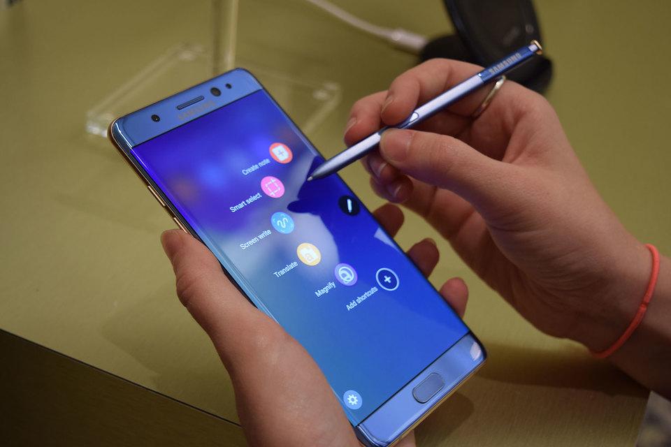 Galaxy Note 7: Samsung blocca la vendita perché a rischio esplosione