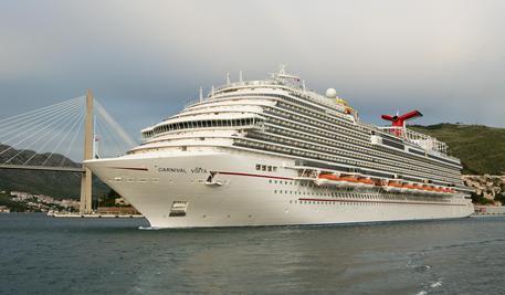 Messina, danni al porticciolo per la nave da crociera