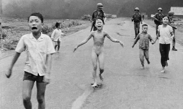 Gaffe di Facebook: censura la foto simbolo della guerra in Vietnam