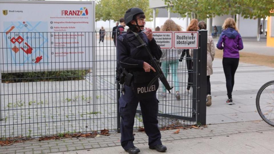 Germania, polizia: cessato allarme nelle scuole di Lipsia