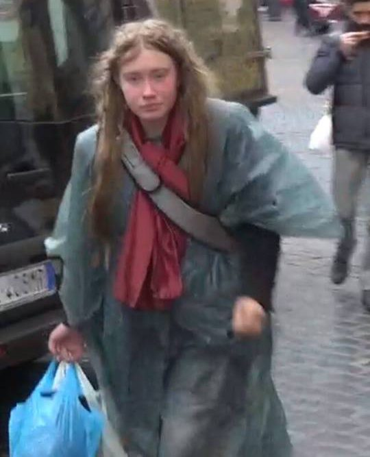 Roma, il mistero della senzatetto inglese, la polizia: