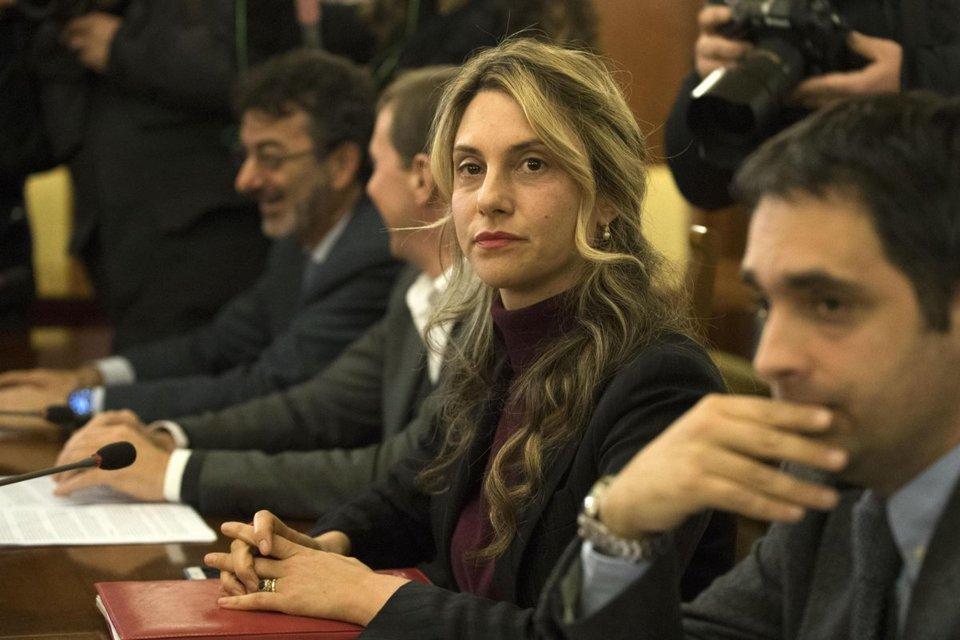P.a: Renzi, pronti a chiudere su contratto prima del 4