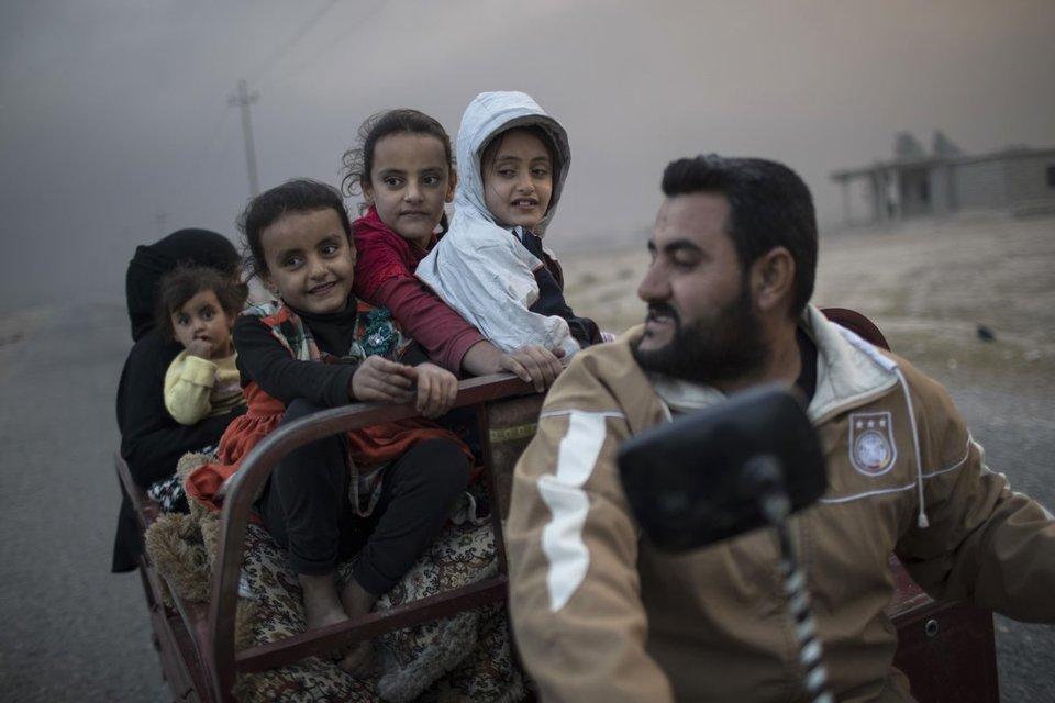Mosul: fonte, 20 civili scudi umani uccisi in raid coalizione