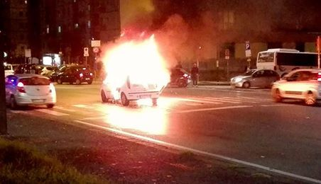 Napoli-Dinamo, petardo lanciato in un taxi fuori al San Paolo