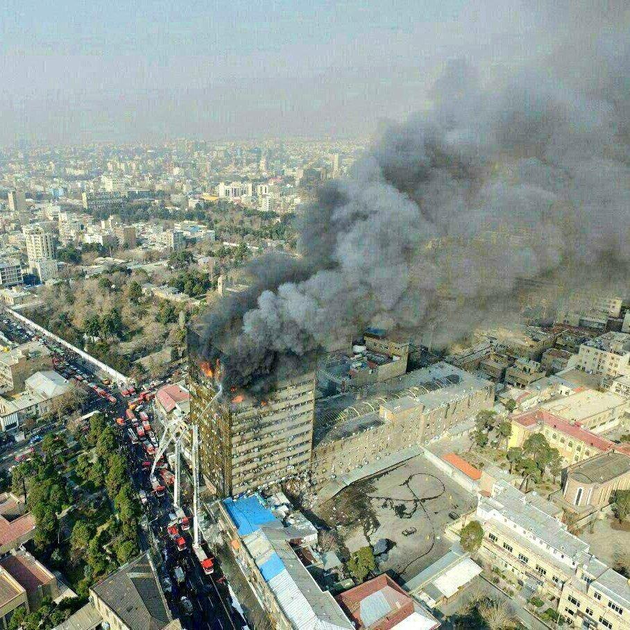 Iran: incendio Teheran, molte persone bloccate sotto macerie