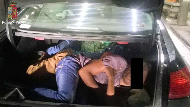 Traffico di migranti: 34 arresti in operazione della squadra mobile