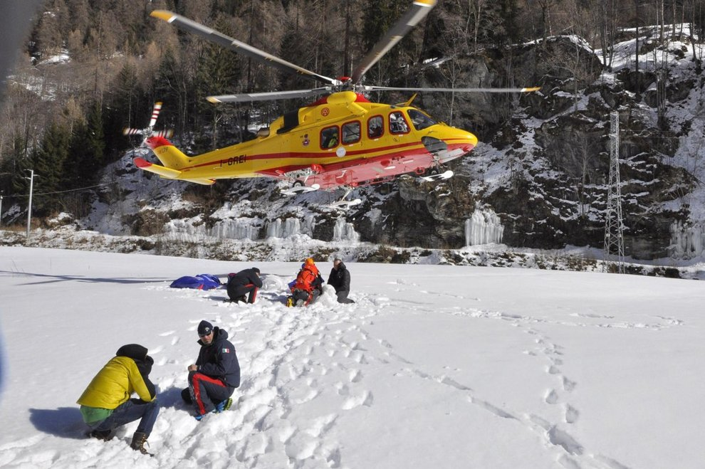 Gressoney, crolla cascata di ghiaccio: morti 4 alpinisti