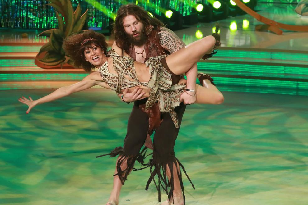 Ballando Con Le Stelle: Martin Castrogiovanni e Sara Di Vaira nella samba