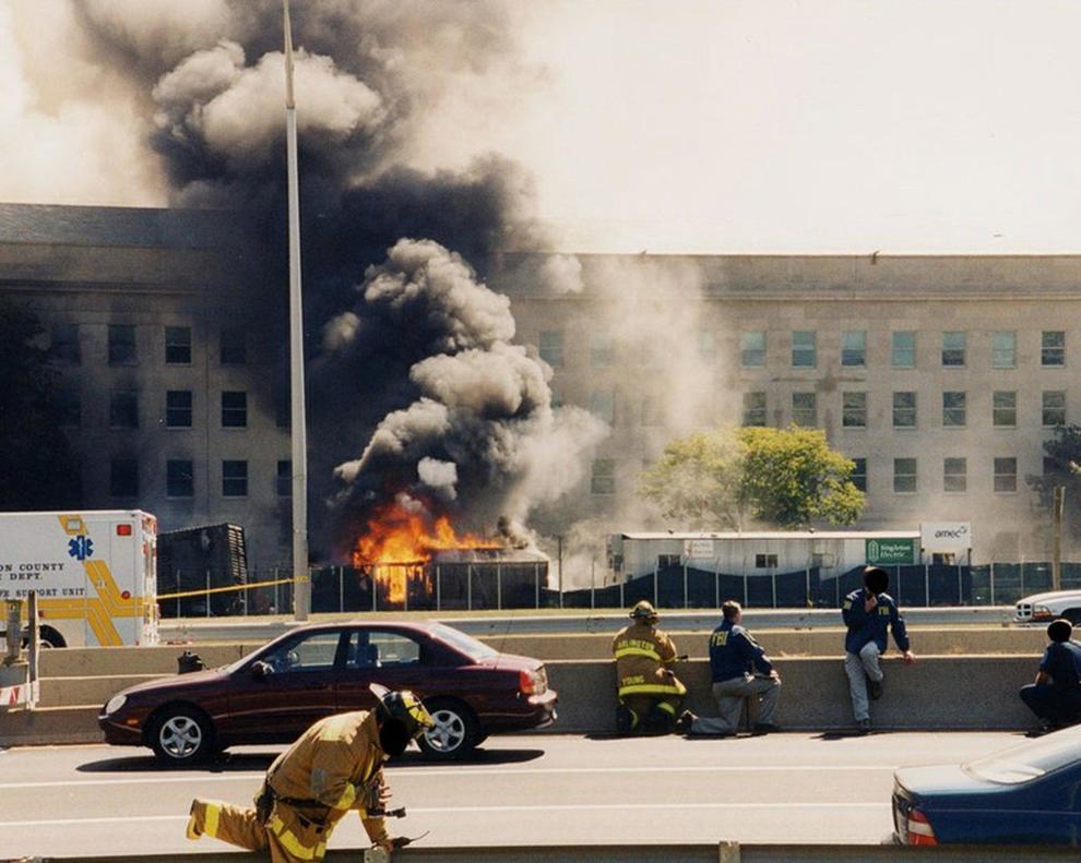 Usa, Fbi diffonde le foto dell'attacco al Pentagono dell'11 settembre 2001