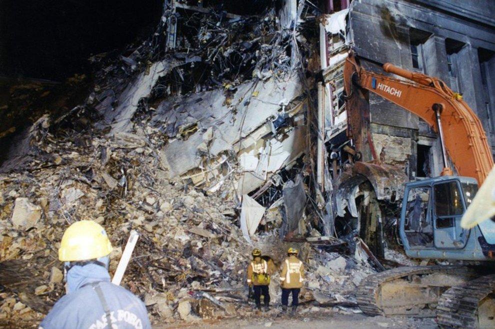 11 settembre, l'attacco al Pentagono nelle foto mai viste