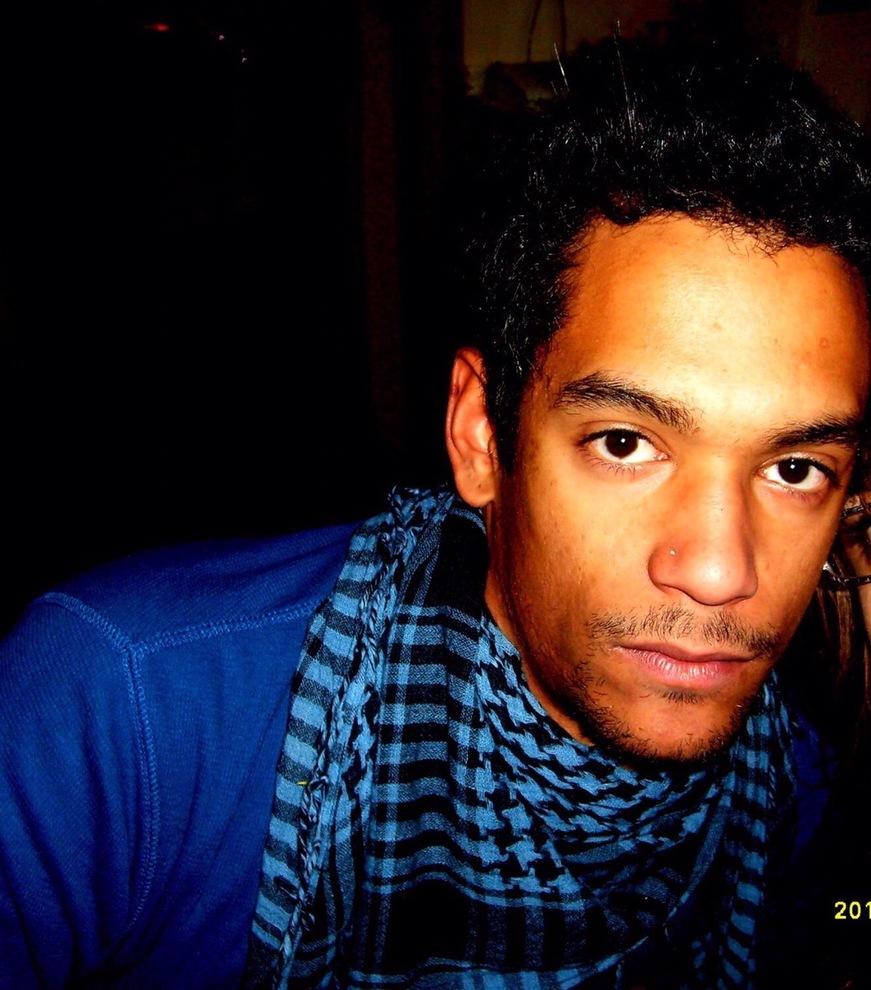 Auto contro un albero, Leandro muore a 29 anni: feriti gli amici