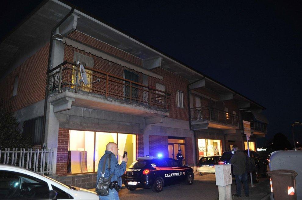 Torino, uccide la moglie e chiama i carabinieri: